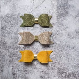 Three Wool Bows Clips